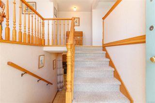 Photo 4: 1650 Alderwood St in : SE Lambrick Park Single Family Detached for sale (Saanich East)  : MLS®# 855020