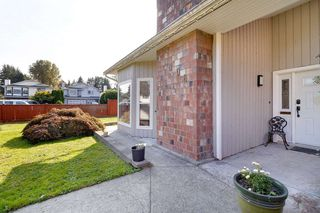 Photo 3: 1806 TAYLOR Street in Port Coquitlam: Lower Mary Hill House for sale : MLS®# R2504446