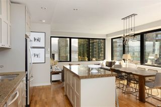 """Photo 10: 1006 1333 W GEORGIA Street in Vancouver: Coal Harbour Condo for sale in """"QUBE"""" (Vancouver West)  : MLS®# R2507933"""