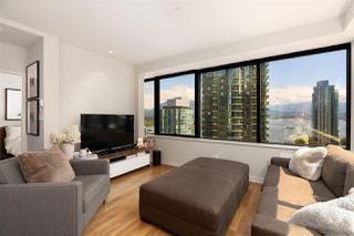 """Photo 2: 1006 1333 W GEORGIA Street in Vancouver: Coal Harbour Condo for sale in """"QUBE"""" (Vancouver West)  : MLS®# R2507933"""
