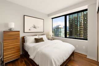 """Photo 13: 1006 1333 W GEORGIA Street in Vancouver: Coal Harbour Condo for sale in """"QUBE"""" (Vancouver West)  : MLS®# R2507933"""