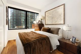 """Photo 17: 1006 1333 W GEORGIA Street in Vancouver: Coal Harbour Condo for sale in """"QUBE"""" (Vancouver West)  : MLS®# R2507933"""