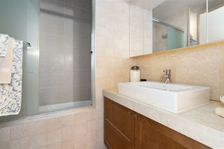 """Photo 18: 1006 1333 W GEORGIA Street in Vancouver: Coal Harbour Condo for sale in """"QUBE"""" (Vancouver West)  : MLS®# R2507933"""