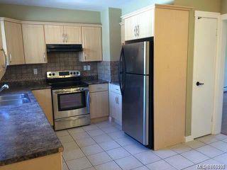 Main Photo: 2 1630 Crescent View Dr in : Na Central Nanaimo Condo for sale (Nanaimo)  : MLS®# 863596