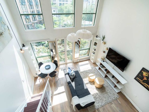 "Main Photo: 408 1 E CORDOVA Street in Vancouver: Downtown VE Condo for sale in ""Carrall Station"" (Vancouver East)  : MLS®# R2394521"